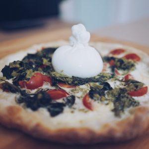 pizza fatta in casa con forno casalingo