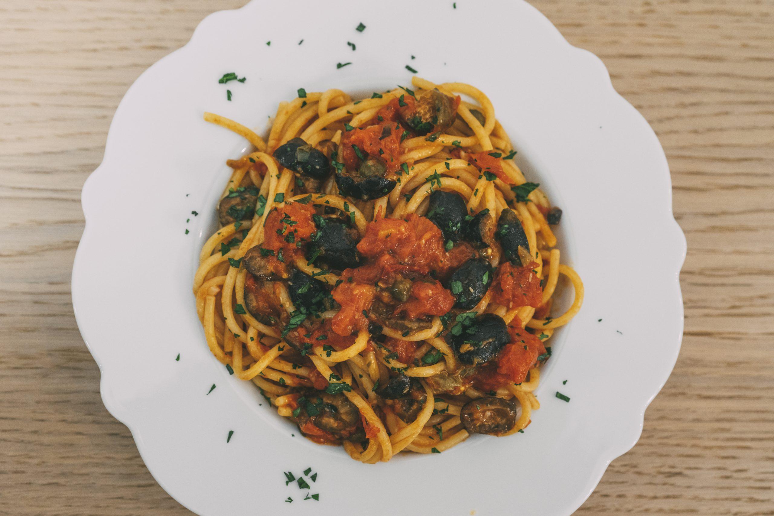 Spaghetti alla puttanesca ricetta
