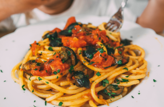 Ricetta pasta alla puttanesca