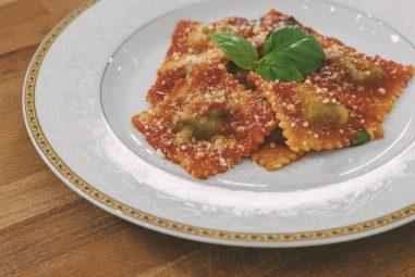 Ravioli di ricotta e spinaci fatti in casa
